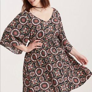 TORRID - MEDALLION PRINT LATTICE DRESS size 2